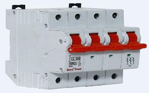 4-pole -isolator
