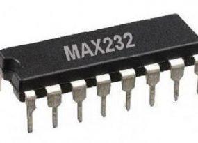 MAX232 IC
